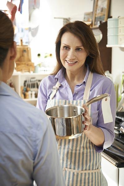 tax deductions for retail sales assistant uniform