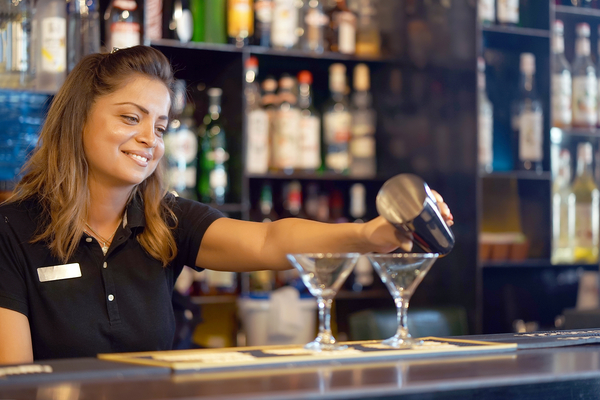 Bar and Wait Staff Tax Deductions Guide